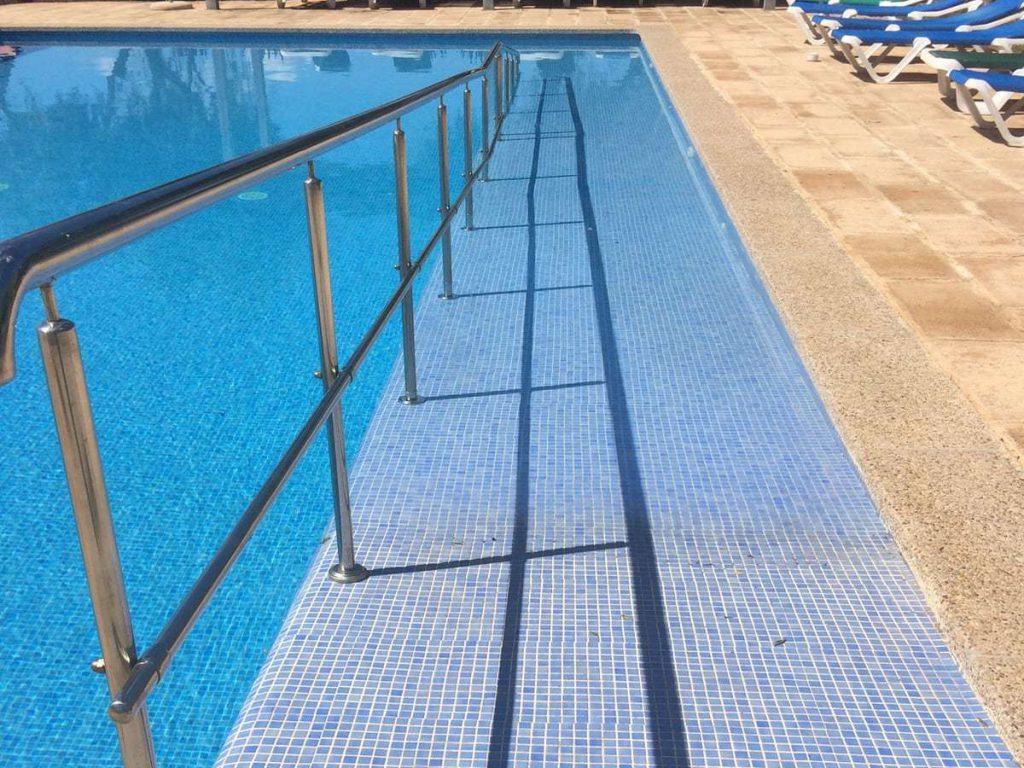 Barrierefreier Pool mit Rampe