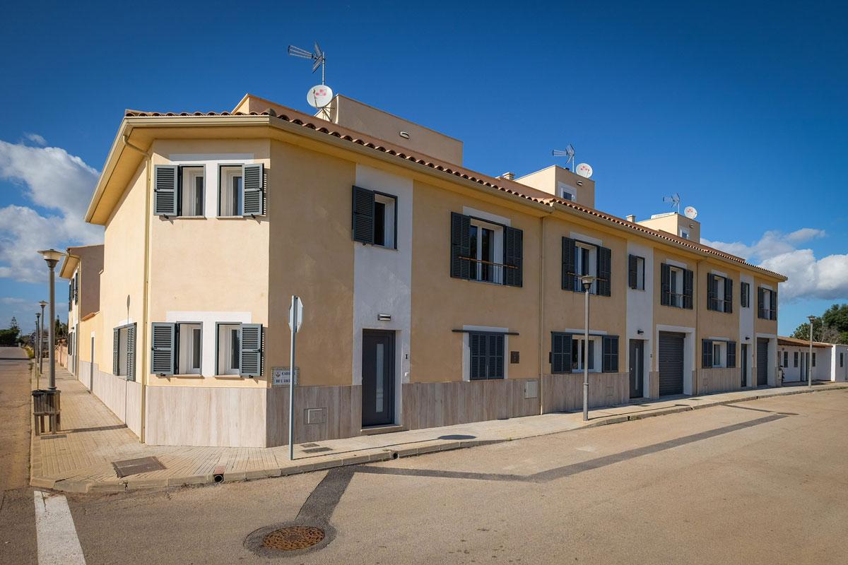 4-City-Häuser-Ferienhaus-Mallorca-für-8-10-Personen-Can-Agustin