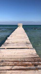 Einsamer Strand mit Steg Mallorca