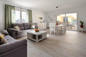 Großer-Wohnraum-Ferienhaus-Mallorca-für-8-10-Personen-Can-Agustin