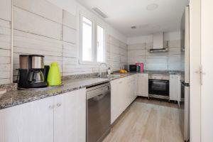 Küche-Ferienhaus-Mallorca-für-8-10-Personen-Can-Agustin