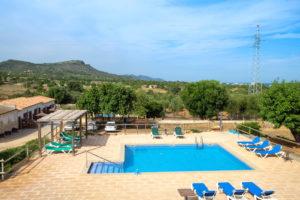 Poollandschaft Aussenbereich Haus 2 Finca Mallorca Can Agustin