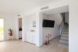Wohnraum-Erdgeschoss-Ferienhaus-Mallorca-Can-Agustin