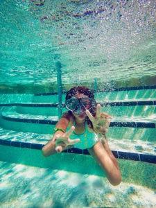 erste-Tauchversuche-Schwimmschule-Mallorca