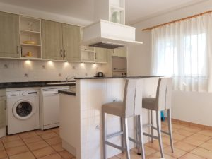 Küche mit freistehendem Kochblock